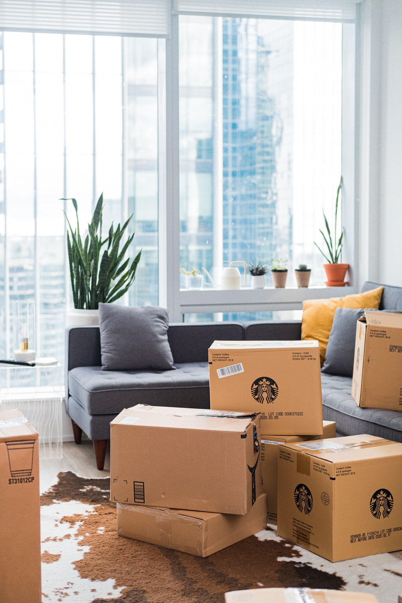 Moving boxes and help to pack and unpack in Los Angeles