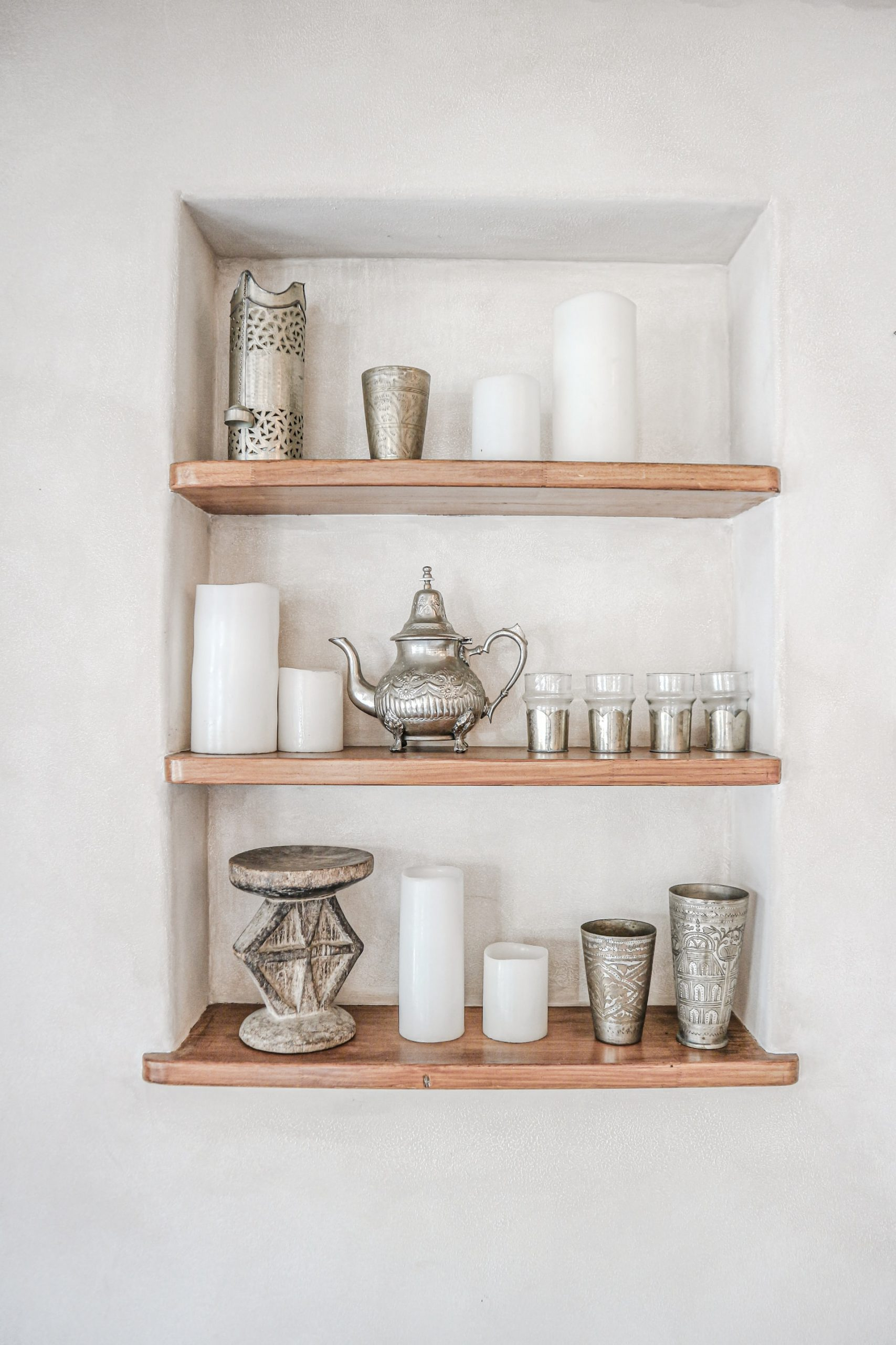 open shelving in Pasadena home